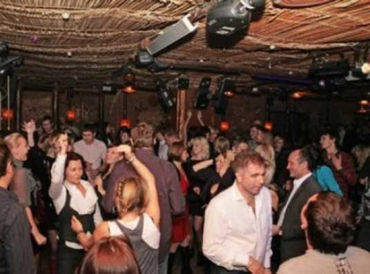 Брянский мэр предложил сократить время работы ночных клубов в праздники
