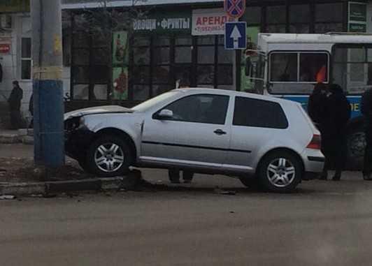 Брянские водители не поделили перекресток