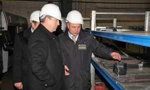 Александр Богомаз побывал в цехах Брянского машиностроительного завода