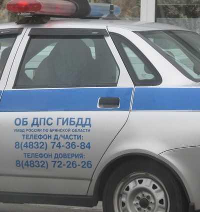 В брянском райцентре пьяный водитель снес забор