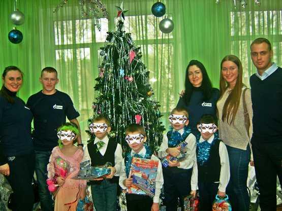 Брянская молодёжь подарила праздник детям в реабилитационном центре