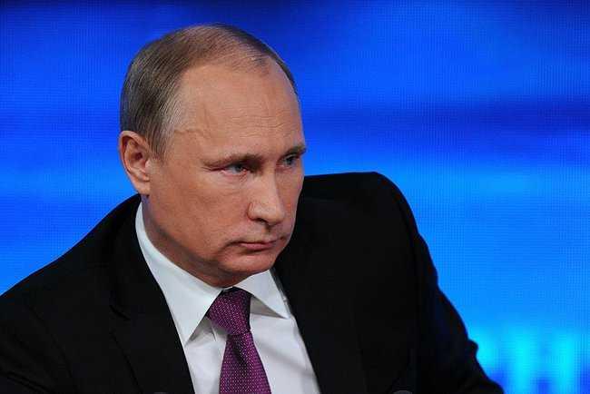 Владимир Путин 15 лет назад впервые возглавил страну