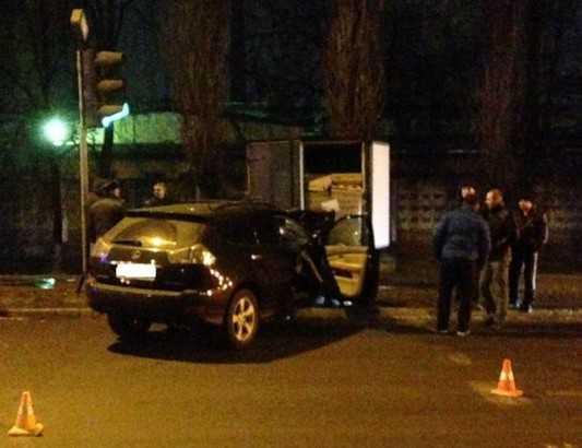 В Брянске водитель «Лексуса» протаранил грузовик и повредил голову