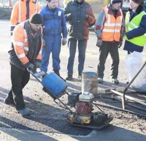 Дороги Брянска будут ремонтировать холодным асфальтом