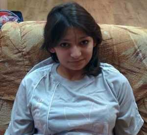 Для юной цыганки брянские власти ищут семью
