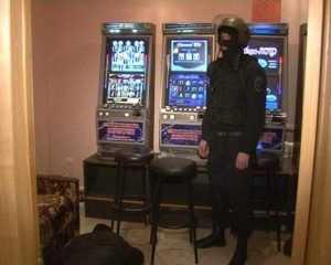 Брянская полиция накрыла игровой салон в частном доме