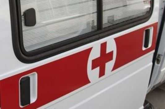 Под Брянском  иномарка протаранила указатель – пострадали 3 человека