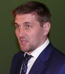 Брянский чемпион Виталий Минаков одобрил запрет продажи энергетиков