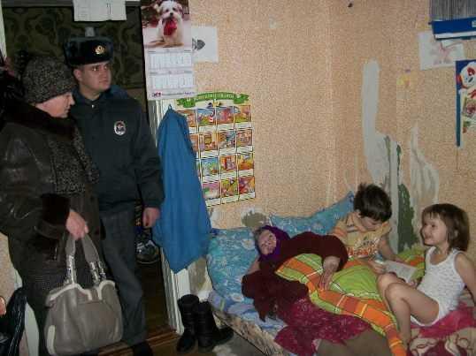 Брянская полиция наказала 200 подростков за алкоголь, сигареты и наркотики