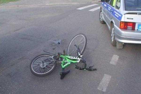 Молодая брянская автомобилистка переломала велосипедиста