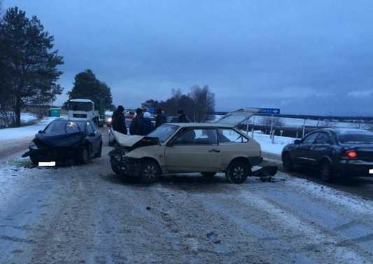 В ДТП под Брянском тяжело ранен водитель