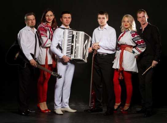 FolkStar и «Бабкины внуки» пригласили брянцев на «Рождественские вечерки»