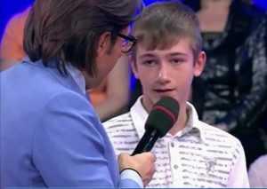 Телеведущий Малахов исполнил мечту юного брянского болельщика