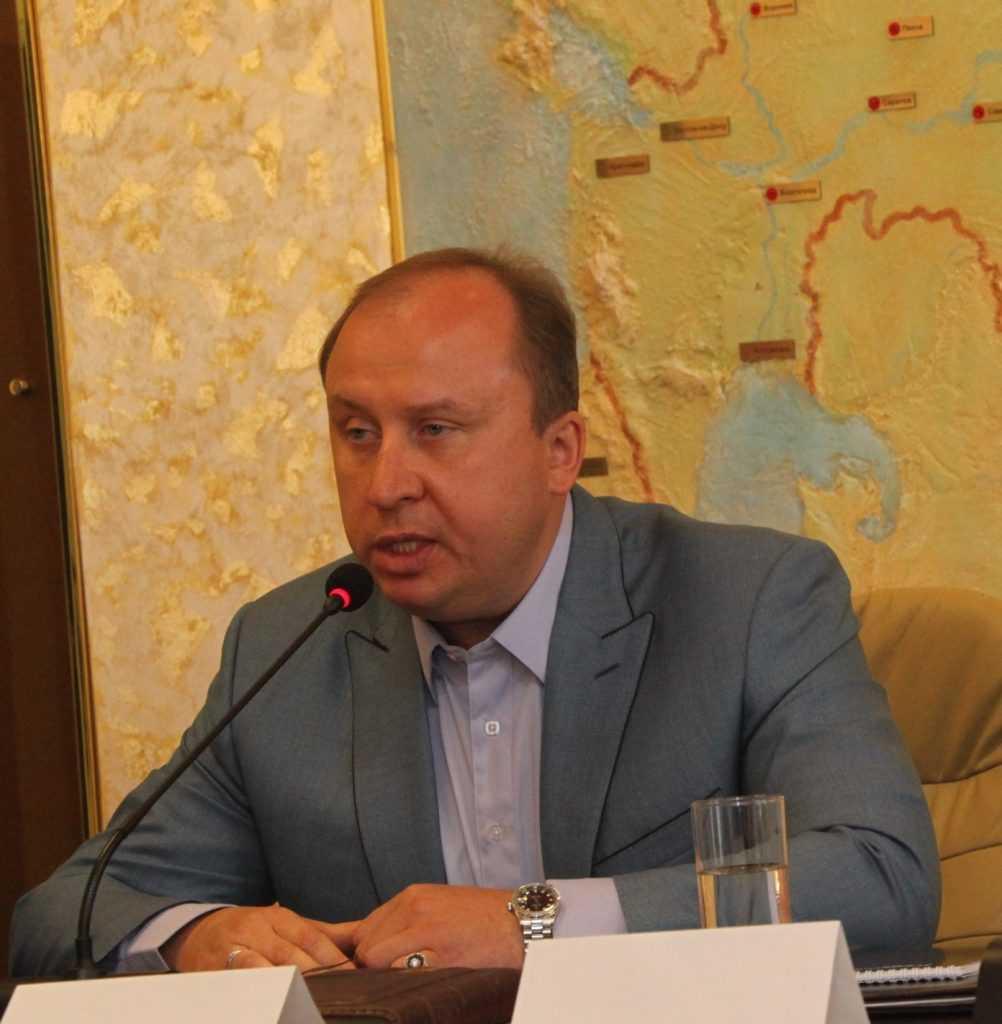 Олег Розанов предлагает помочь Брянке Луганской области