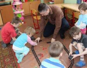Ветераны брянской милиции передали детскому приюту одежду и игрушки