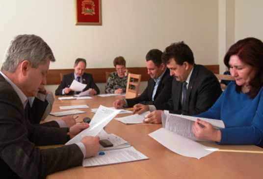 Депутаты обсудили дополнительные занятия для брянских школьников