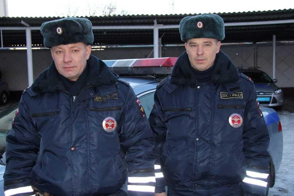 Брянские полицейские показали примеры милосердия и мужества