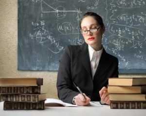 Брянские промышленники предложили одеть учителей в униформу