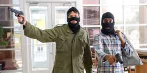 Дом миллионера в Брянске ограбили молодые налетчики