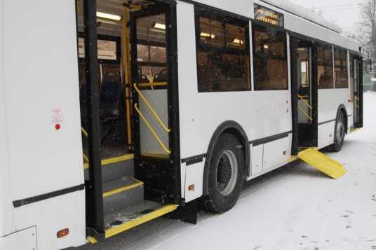 В Брянске три троллейбуса будут перевозить инвалидов-колясочников
