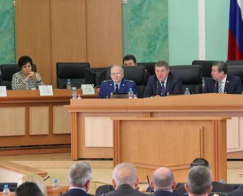 Брянский глава Александр Богомаз призвал не паниковать из-за кризиса