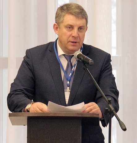 Александр Богомаз вступился за брянских сыроделов и машиностроителей