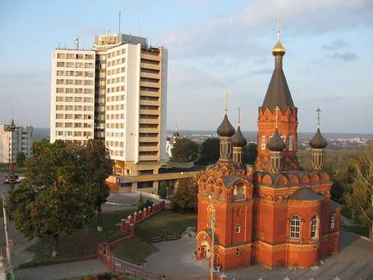 Власти захотели прорубить дорогу от «пушки» к гостинице «Брянск»