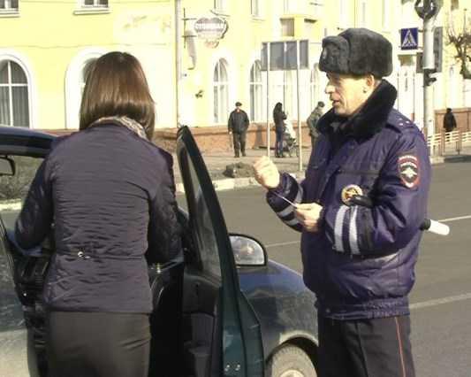 Брянские гаишники наказали 750 водителей тонированных машин
