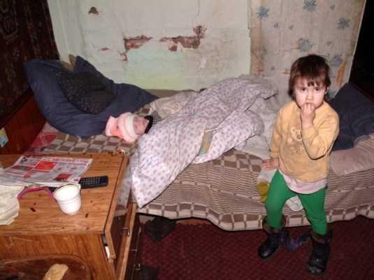 У родителей брошенных брянских детей нашли несколько квартир