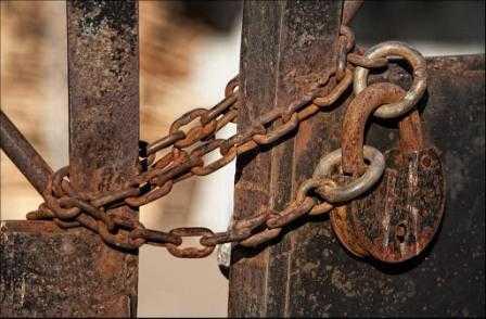 Террористам закрыли ход на чердаки и в подвалы брянских домов