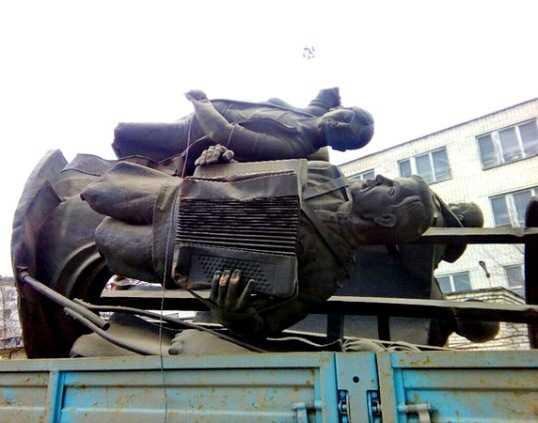 Найденный памятник Брянской дивизии передали «Жилкомсервису»