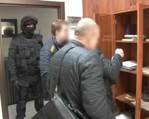 Брянский ОМОН задержал восьмерых криминальных «банкиров»