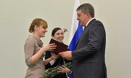 Брянский глава вручил дипломы будущим асам управления
