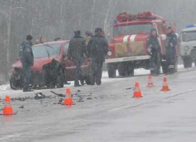 Под Брянском в ДТП погибли три человека, шесть покалечены