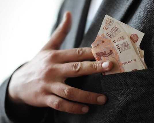 Брянский коммерсант незаконно присвоил 300 тысяч рублей