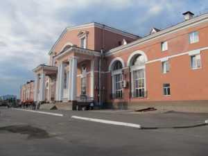 В Брянске у железнодорожного вокзала расширят парковку