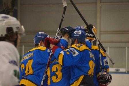 Хоккейный «Брянск» вышел в стадию плей-офф