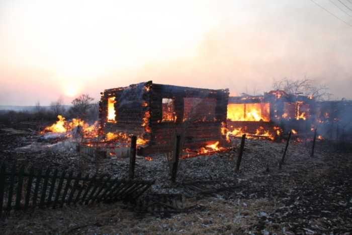 В Брянской области сгорела деревня