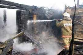 Под Брянском сгорели несколько сараев