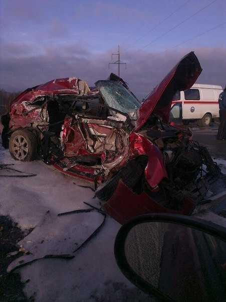 При столкновении под Брянском  трех  авто один человек погиб, 5 пострадали