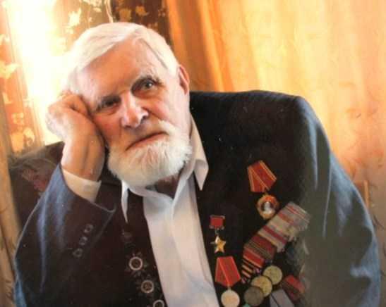 Брянскому ветерану Ивану Лысенко вручили медаль «Знаменосец Победы»