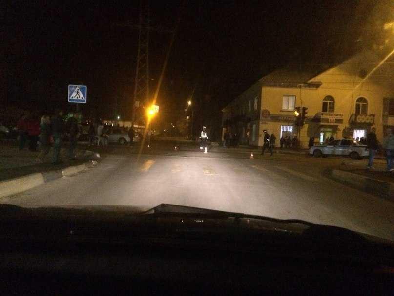 Брянское УМВД: пятиклассников сбили на «зебре» при мигающем светофоре