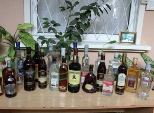 Брянская полиция изъяла поддельный алкоголь на 1,5 миллиона рублей