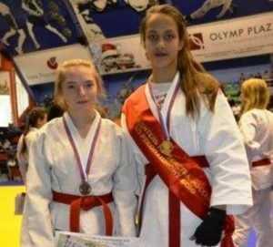 Брянская девушка выиграла первенство страны по рукопашному бою