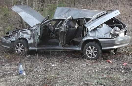 Под Брянском разбился «ВАЗ» – пострадали двое взрослых и ребёнок