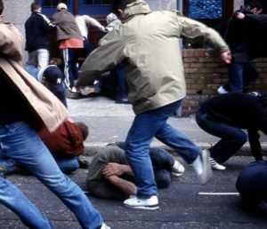 В драке около брянского ТРЦ «БУМ–Сити» пострадали два человека