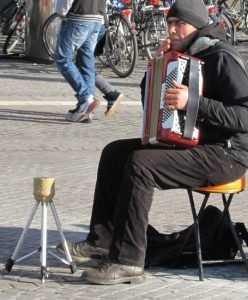 Халтурщикам от культуры запретят выступать на брянских площадках