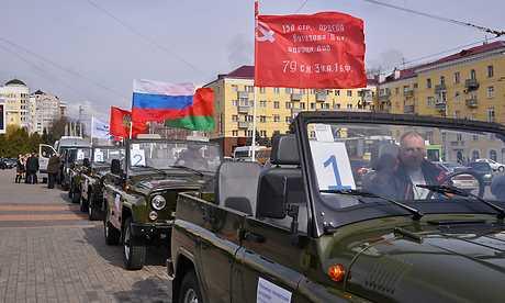 Из Брянска в Гомель отправилась автоколонна под лозунгами Победы