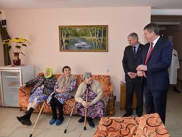 Брянский глава посетил дом-интернат в Дарковичах