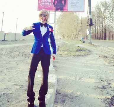 В Брянске прошел День красоты с манерным затейником Зверевым